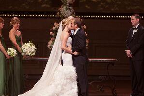 Dramatic Oscar de la Renta Wedding Dress