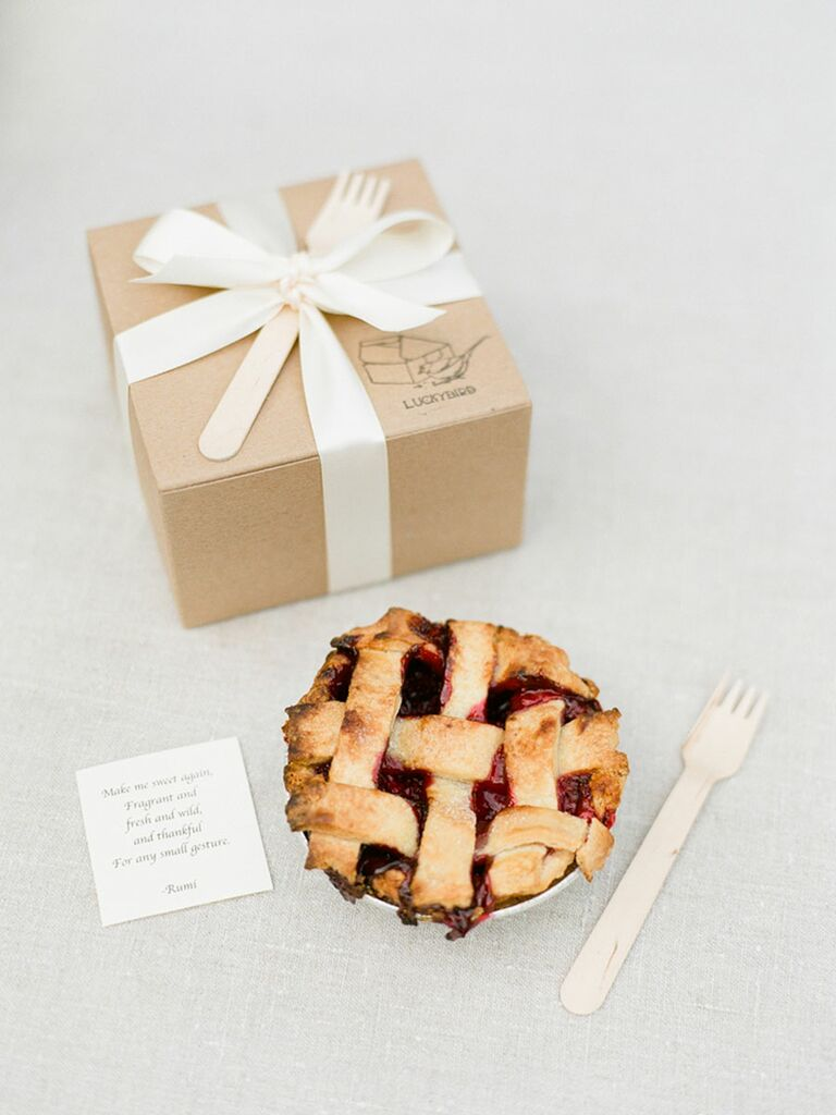 Boxed pie wedding favors
