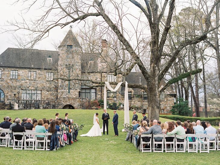 Castle on Stagecoach Lawn Ceremony