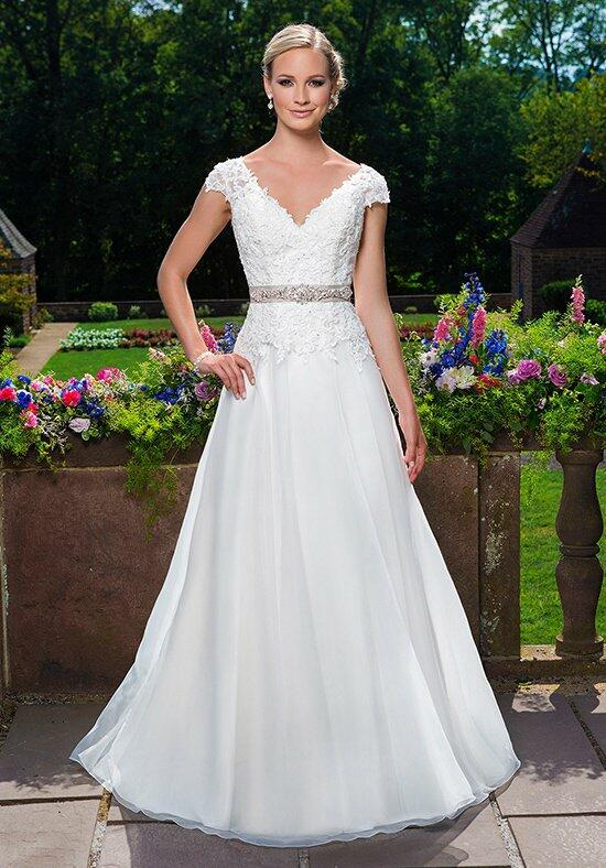Sincerity Bridal 3860 Wedding Dress photo