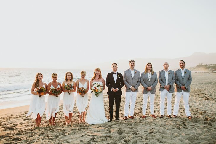 """""""We wanted our bridal party to be comfortable, so we decided on white linen dresses from Free People for the bridesmaids and a similar look for the groomsmen with an accented gray tweed blazer,"""" Gwynne says."""