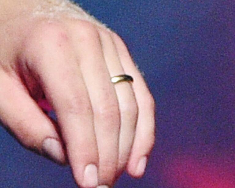joe jonas wedding ring