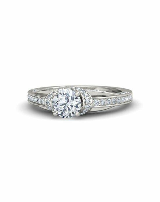 Gemvara - Customized Engagement Rings Clara Ring Engagement Ring photo