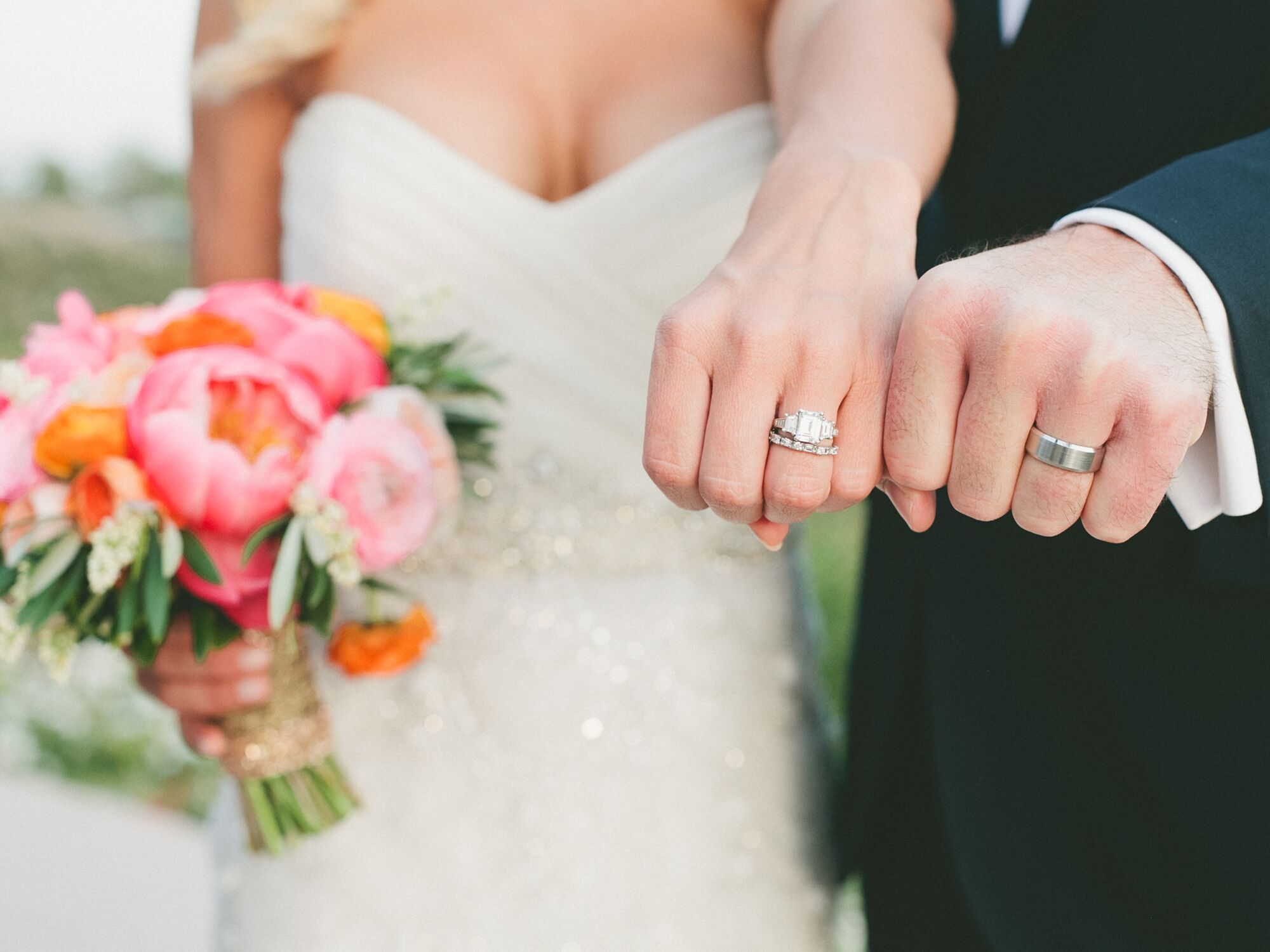 The Engagement Ring vs Wedding Ring: What's the Difference?