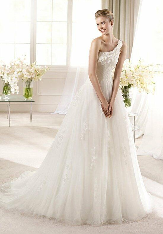ST. PATRICK Aruba Wedding Dress photo