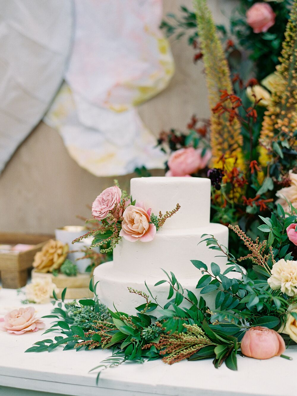 27 Simple Wedding Cakes That Prove Less Is More