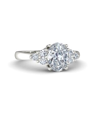Gemvara - Customized Engagement Rings Oval Cut Engagement Ring