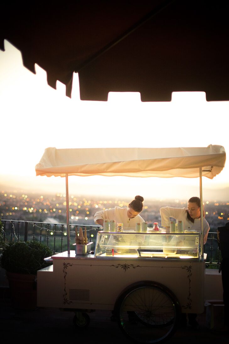 Zoe and Guy hired a local gelato truck for dessert, which guests enjoyed alongside the wedding cake.