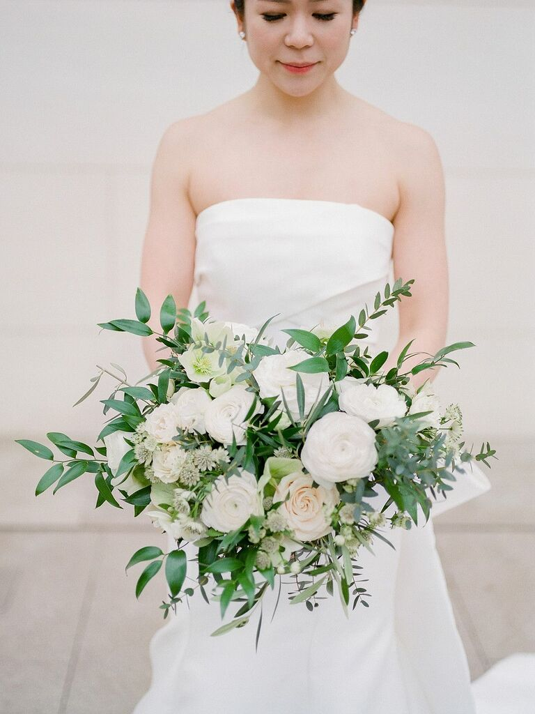 Romantic white-and-green bouquet