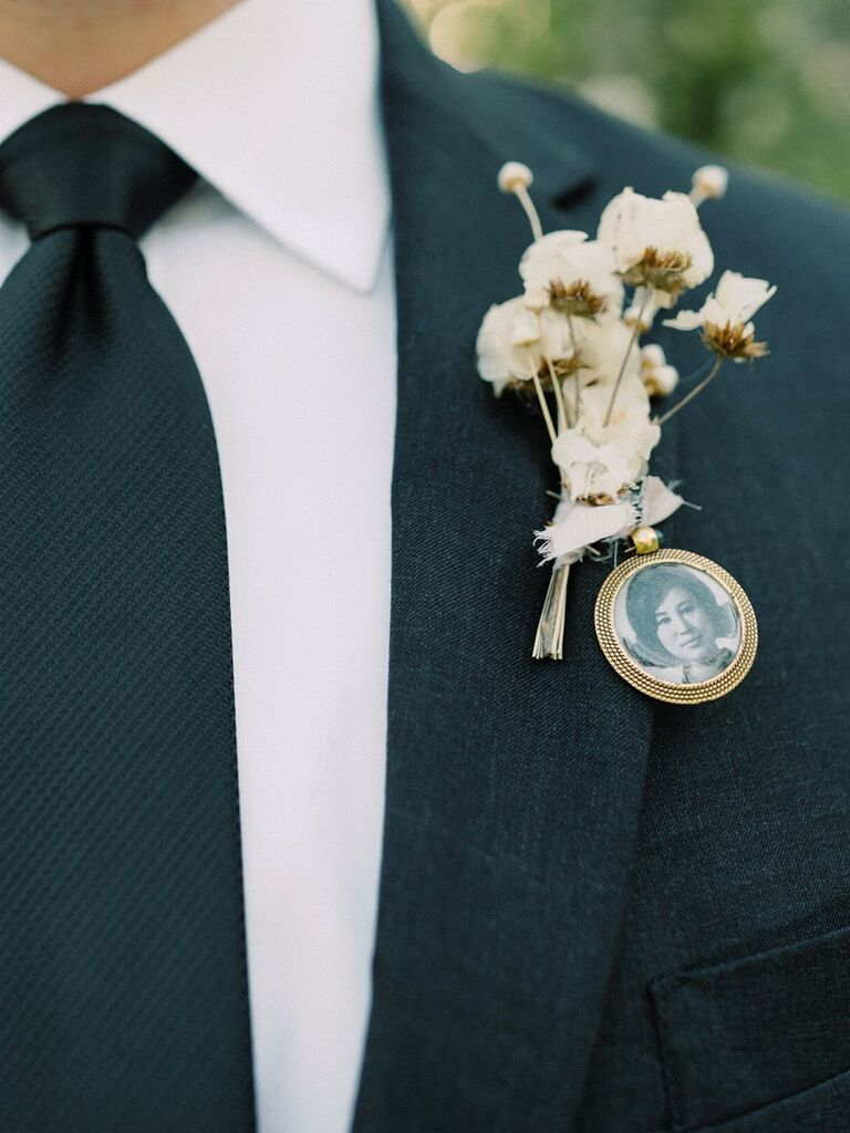 how to honor loved one at wedding pin picture to outfit