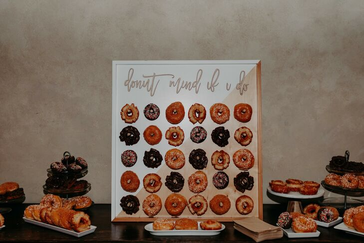 Doughnut Wall at Scottsdale, Arizona, Wedding
