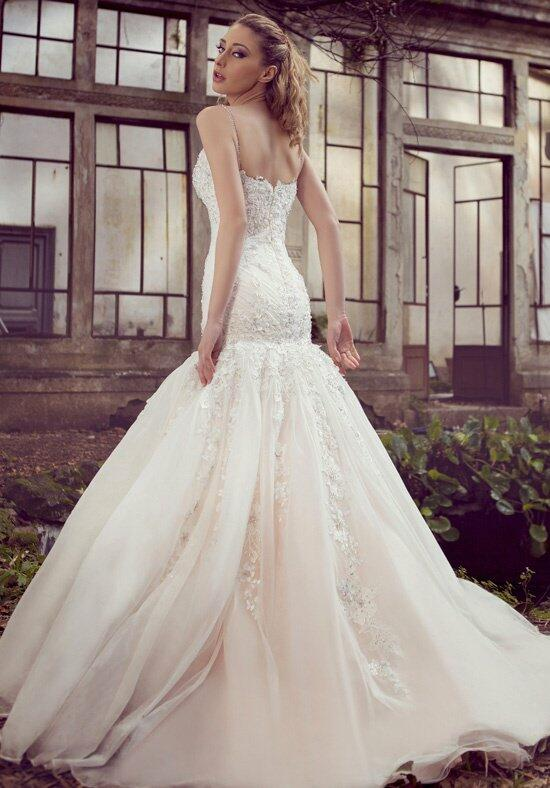 Ysa Makino KYM67 Wedding Dress photo
