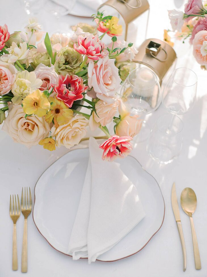 White-and-Pink Place Setting in Cabo San Lucas, Mexico
