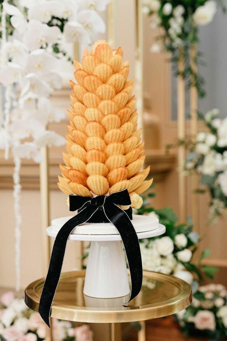 French-inspired Madeleine wedding cake alternative