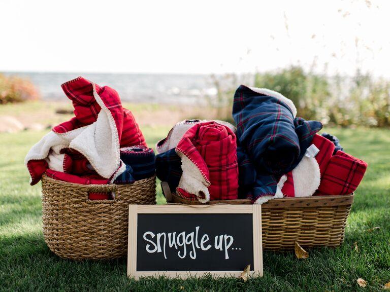 Fall wedding ideas cozy blankets