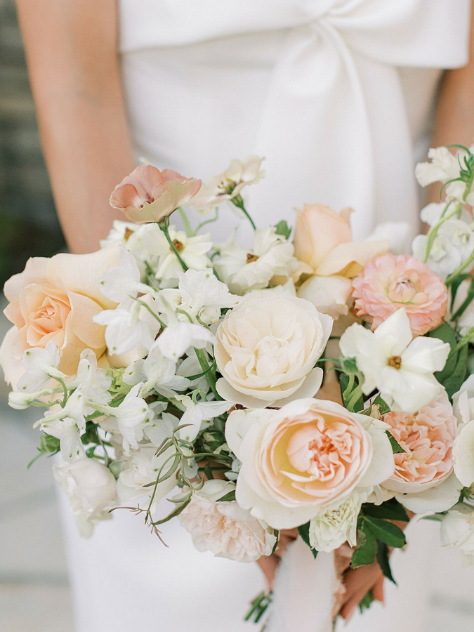 white-and-peach bouquet
