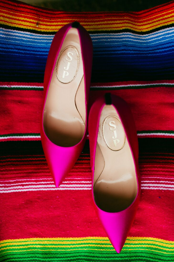 Viviana wore hot pink pointy-toed heels to go with the colorful theme.