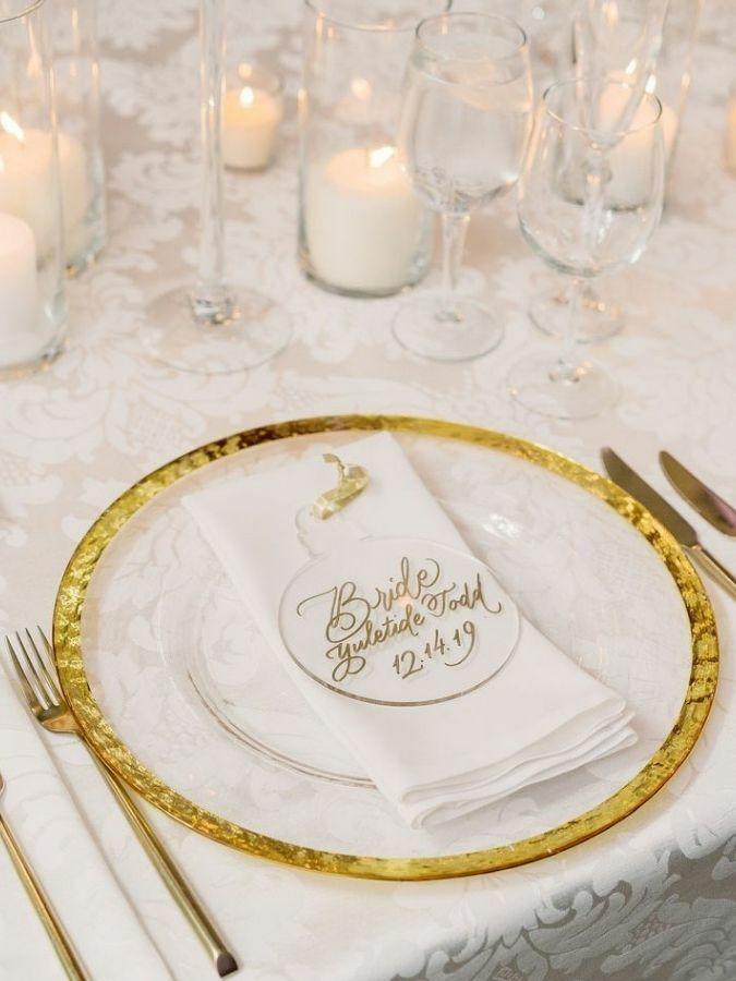 Place setting with custom acrylic ornament wedding favor