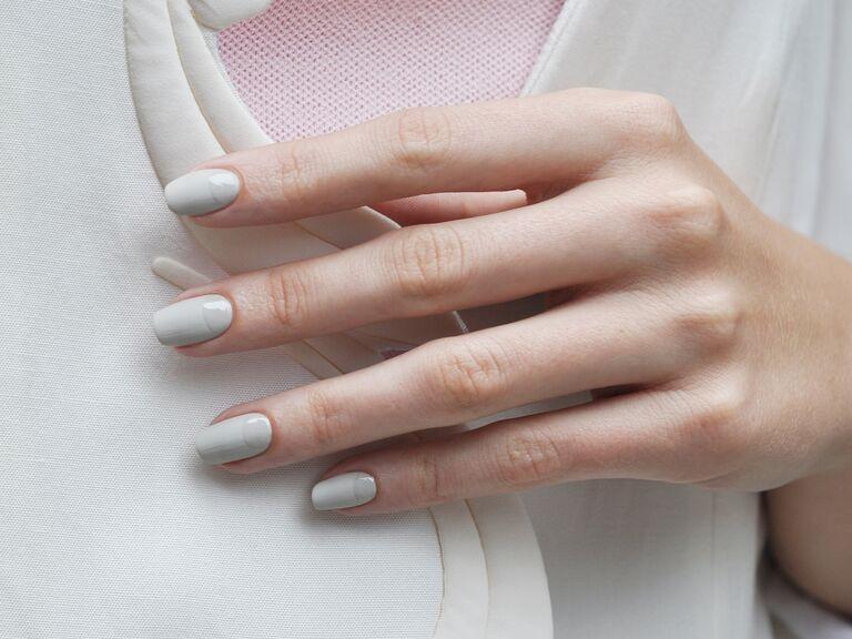 minimalist manicure white nails