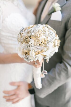 Glamorous Brooch Bouquet
