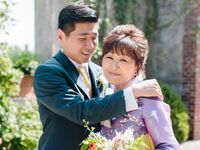 Moments of joy between the groom and his mother