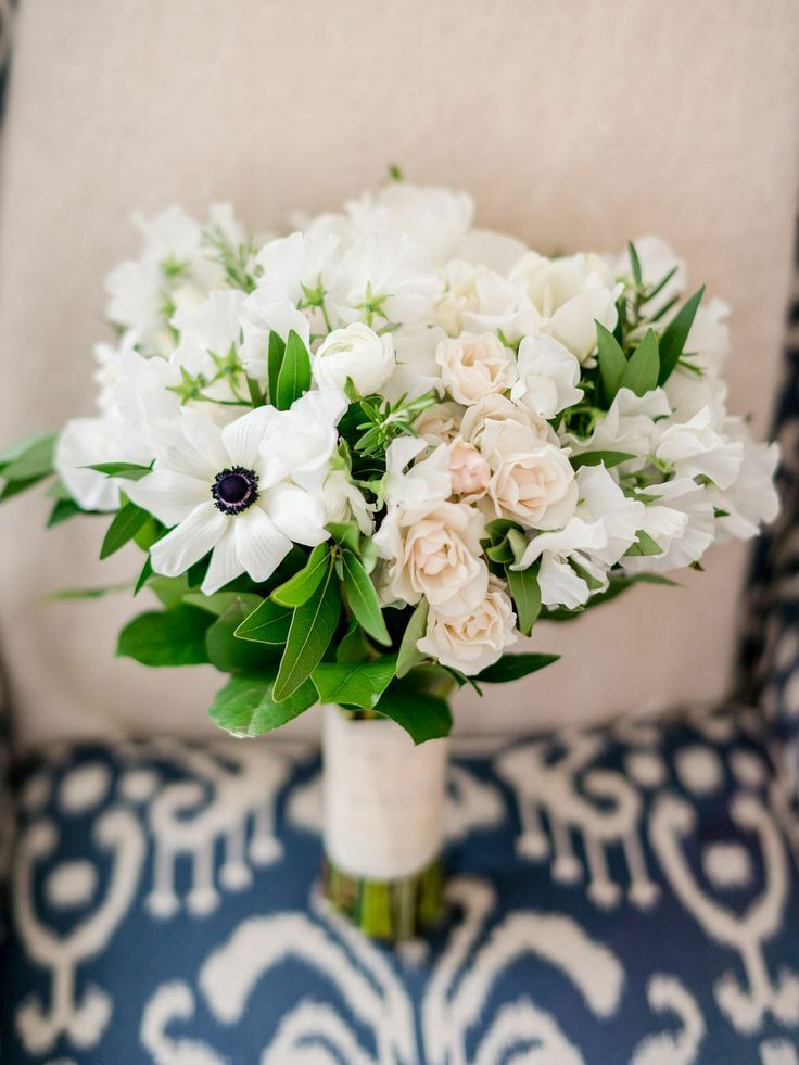 Bouquet with white anemone blooms