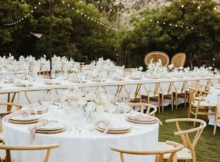 """For their desert wedding in Palm Springs, Samantha Birkel and Zack Novack drew inspiration from a far-flung locale—the coast of Australia. """"We both wa"""