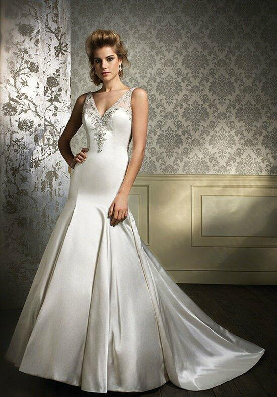 Alfred Angelo Sapphire 884 Wedding Dress photo