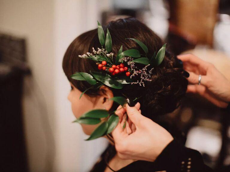 winter wedding ideas winterberry crown