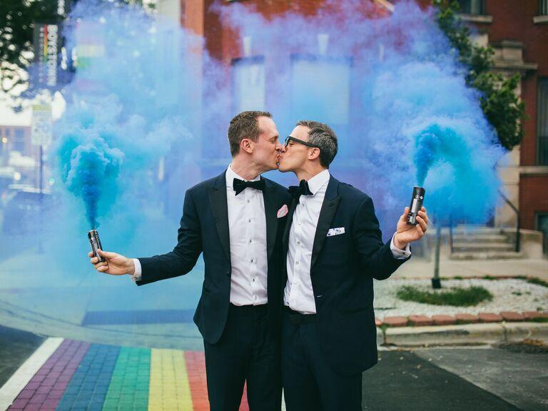 chicago wedding couple with colorful smoke bombs