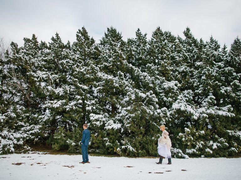 winter wedding ideas snowy first look