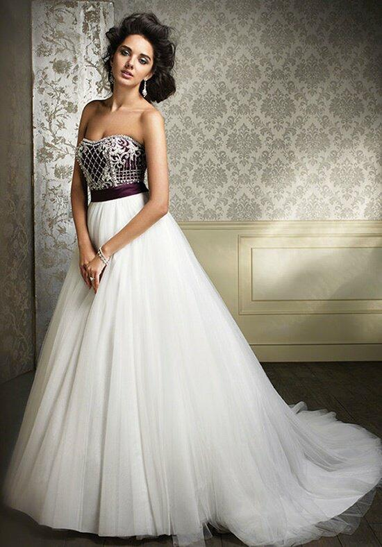 Sapphire by Alfred Angelo 890 Wedding Dress photo
