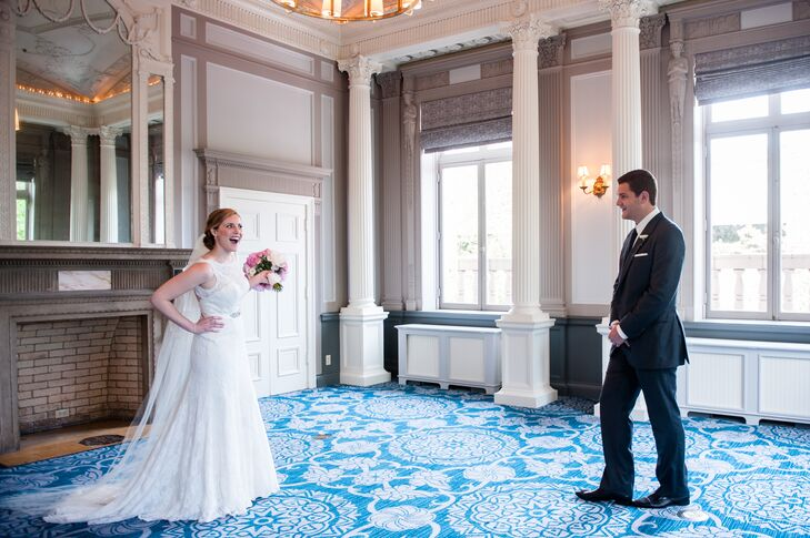 Erin and Alex had their first look photo session at the Sentinel Hotel and snapped this cute picture of the reaction.