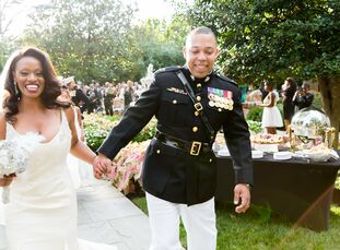With black, gold and silver details, luxurious florals, glitzy décor and plenty of feathers, Charo Kent (35 and a clinical coordinator) and Antoine Ba