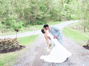 Jordan Pearson (24 and works for the American Cancer Society) and Austin Bousman's (32 and works for Summit Helicopters) wedding struck the perfect ba