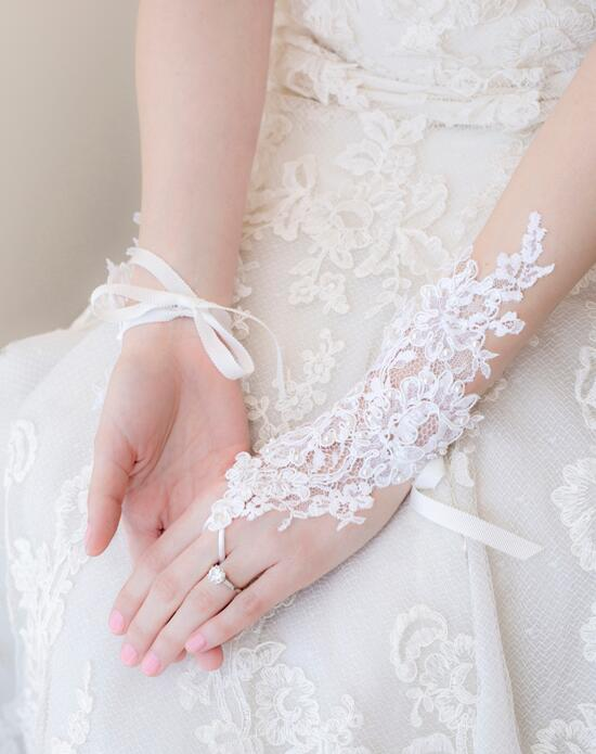 Alisa Brides Emilia Lace Gloves Wedding  photo