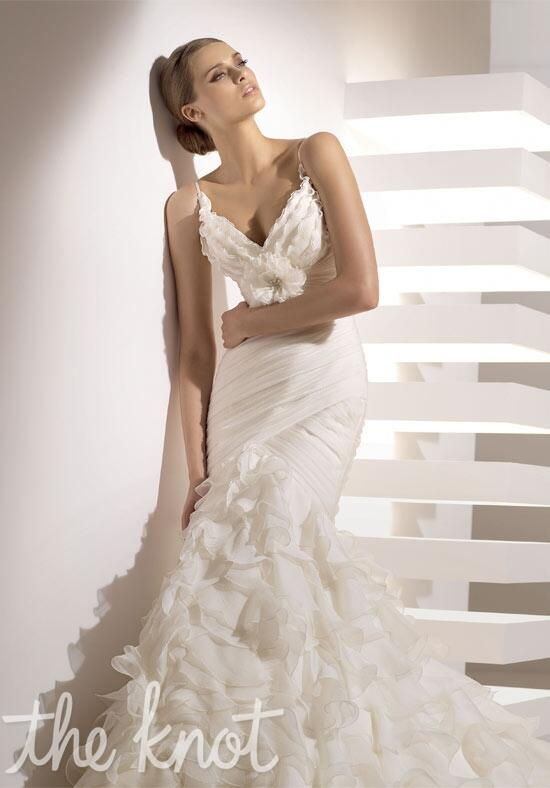 PRONOVIAS Galante Wedding Dress photo