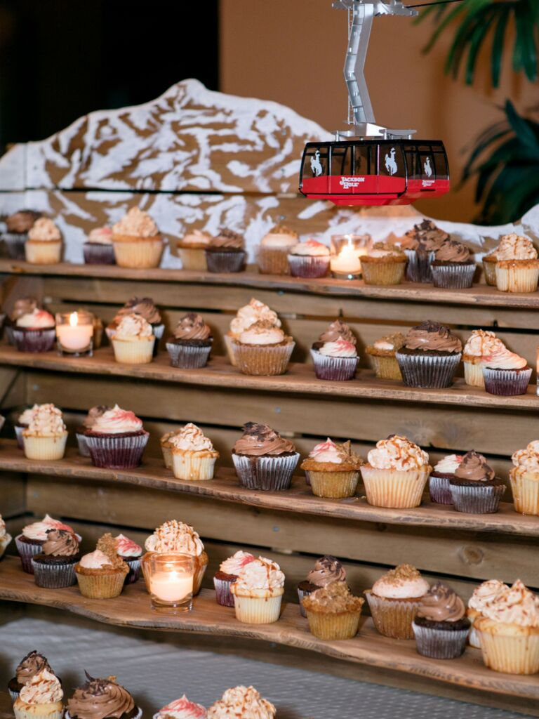 winter wedding ideas ski themed cupcake display