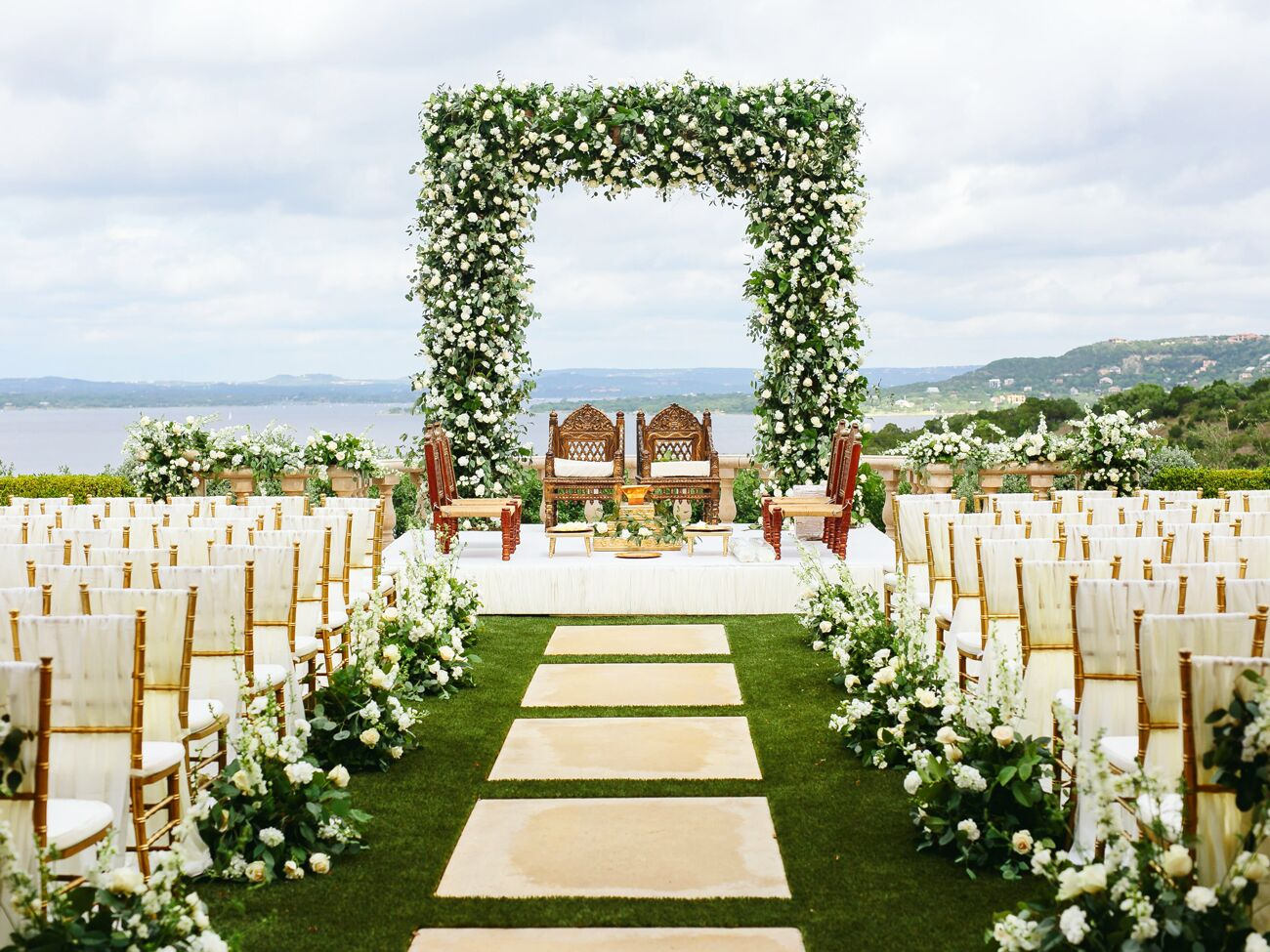 The Average Cost Of Wedding Flowers In 2020