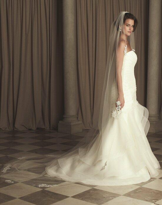 Paloma Blanca Veils Collection V441C Wedding Veils photo