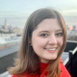 Emily Platt - The Knot E-Commerce Editor