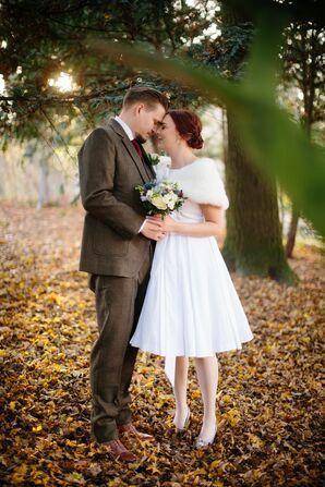 Knee-Length Wedding Dress and Fur Stole