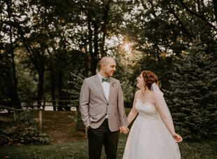 A memorable menu was an absolute must for Blayre Miller (26 and a wedding cake designer and pastry chef) and Brandon Wright (24 and a restaurant gener