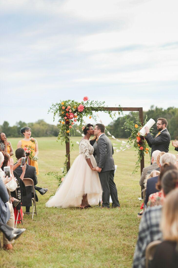 Rustic Wedding at the Philadelphia Glider Council in Perkasie, Pennsylvania