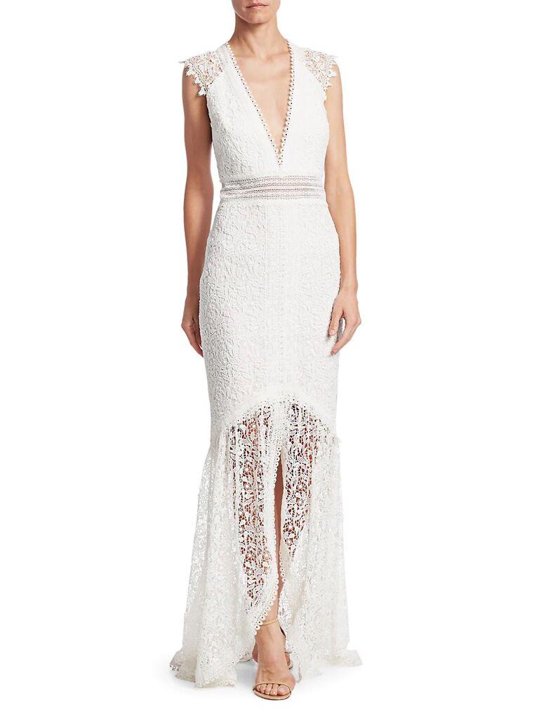 Đường viền cổ áo có ren đáy, thắt lưng và tay áo có mũ váy cưới đẹp