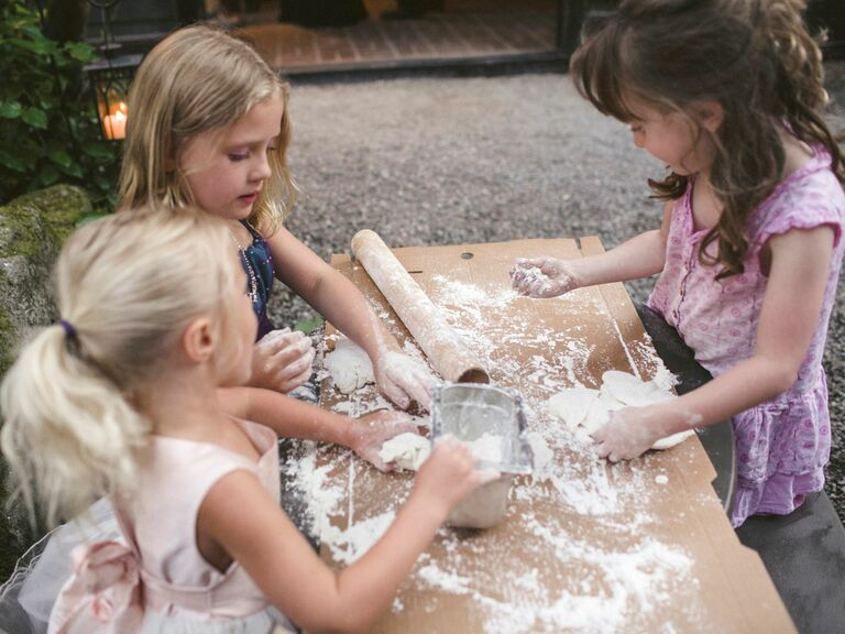 Kid's Table activity making personal pizza