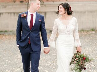 With the help of local vendors in a matter of just four months, Meagan and Hunter pulled off an autumnal boho wedding, where there was no shortage of