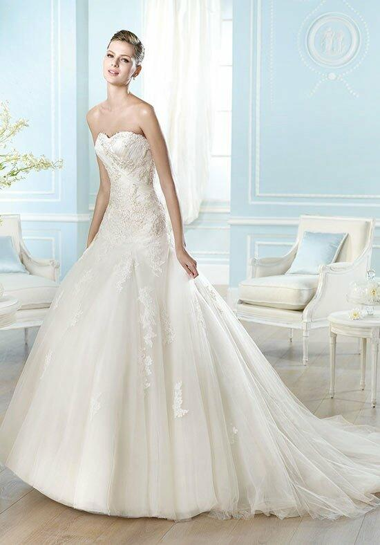 ST. PATRICK Glamour Collection - Aries Wedding Dress photo