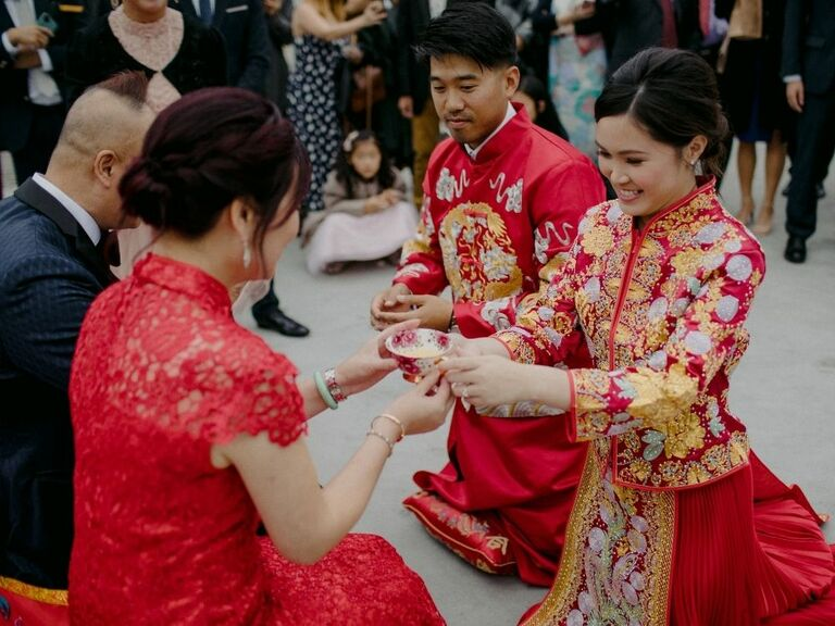 couple during Chinese tea ceremony
