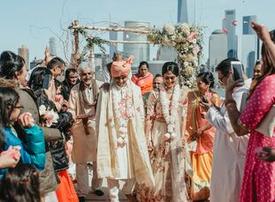 Since Reena Patel (33 and in finance) and Varun Krovi (32 and in government) met through friends in New York City, they put the skyline front and cent